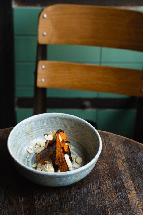 Печеная тыква в меду и цитрусовым кремом из рикотты